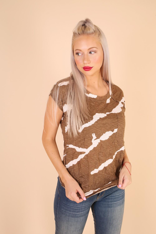חולצת עדי של דיקלה קדם המעצבת